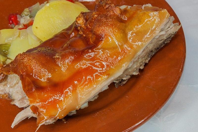 XI Jornadas Gastronómicas del Cochinillo asado en horno de leña